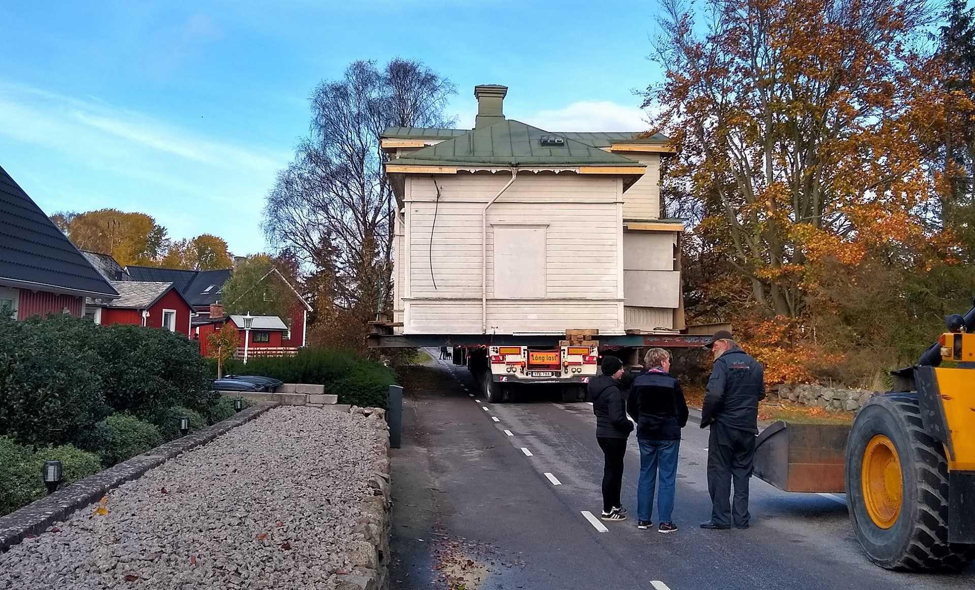 Servicetekniker på Transtema flyttar hus i Hällevik
